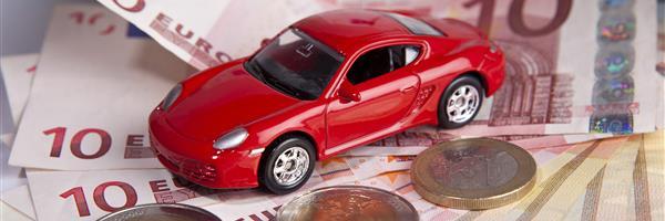 Bild: Auto auf Euroscheinen
