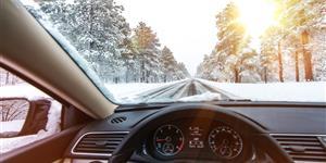 Bild: Autofahren im Winter