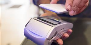 Bild: Bezahlen mit dem Smartphone