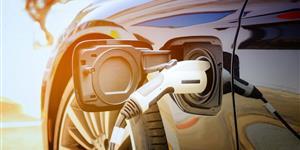 Bild: Elektroauto wird aufgeladen