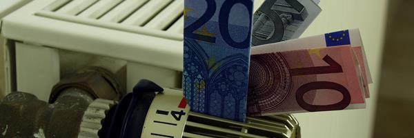 Bild: Euroscheine im Heizungsregler