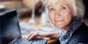 Bild: Frau am Laptop