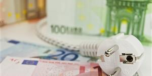 Bild: Geld mit Stromstecker