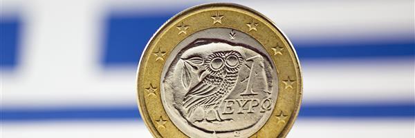 Bild: Griechische 1-Euro Münze vor griechischer Flagge