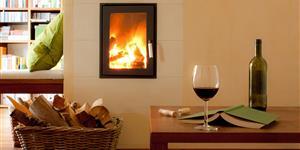 Bild: Kaminfeuer im Wohnzimmer