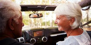 Bild: Kfz: Senioren im Cabrio