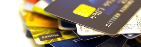 Bild: Kreditkarten auf einem Stapel