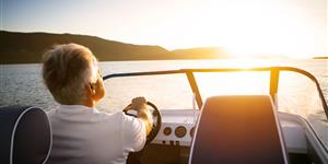 Bild: Mann, Boot, See, Bootstour, Wasser, Sonnenuntergang