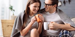 Bild: Mit Kaffee und Decke wärmen