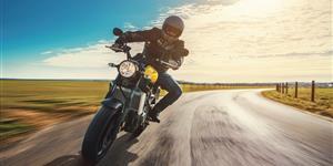 Bild: Motorrad Motorradfahrer Landstraße Himmel Kurve