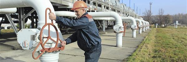 Bild: Ölleitungen mit Arbeiter