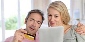 Kreditkarten mit Mietwagen-Versicherung finden