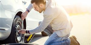 Bild: Reifenwechsel nach Panne