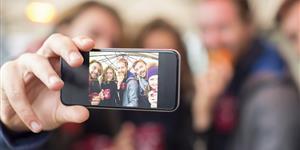 Bild: Selfie mit Freunden