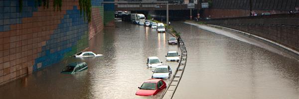 Bild: Straße unter Wasser