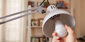 Bild: Strom - Glühbirne