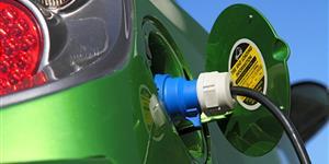 Bild: Tanköffnung mit Stromstecker